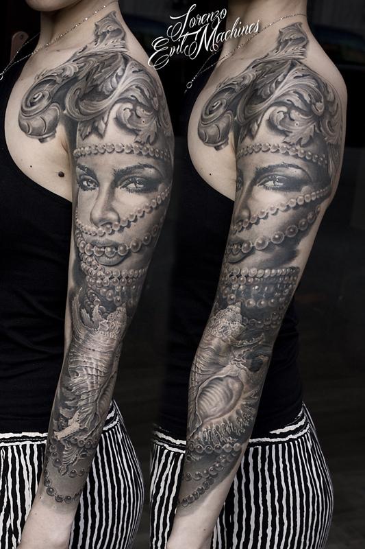 Braccio_Perle_Donna_Portrait_Ritratto_Conchiglia_Shell_black_gray_Lorenzo_Evil_Machines_realistic_tattoo_tatuaggi_realistici_Roma_sito_best_migliore