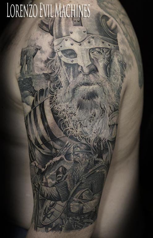 odin_viking_wotan_wodanaz_wuotan_vichingo_black_gray_sfumato_lorenzo_evil_machines_tattoo_tatuaggio_realistico_roma_migliore_best