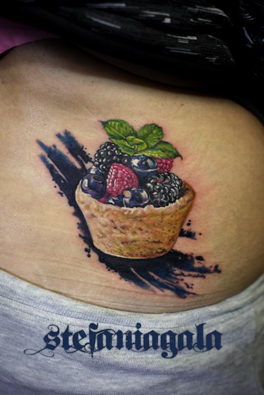 Tartelletta_dolcetto_candy_sweet_fruit_real_sketch_3d_schizzo_disegni_personalizzati_avanguard_sketchwork_Stefania_Gala_Evil_Machines_Tattoo_Roma_best_migliore