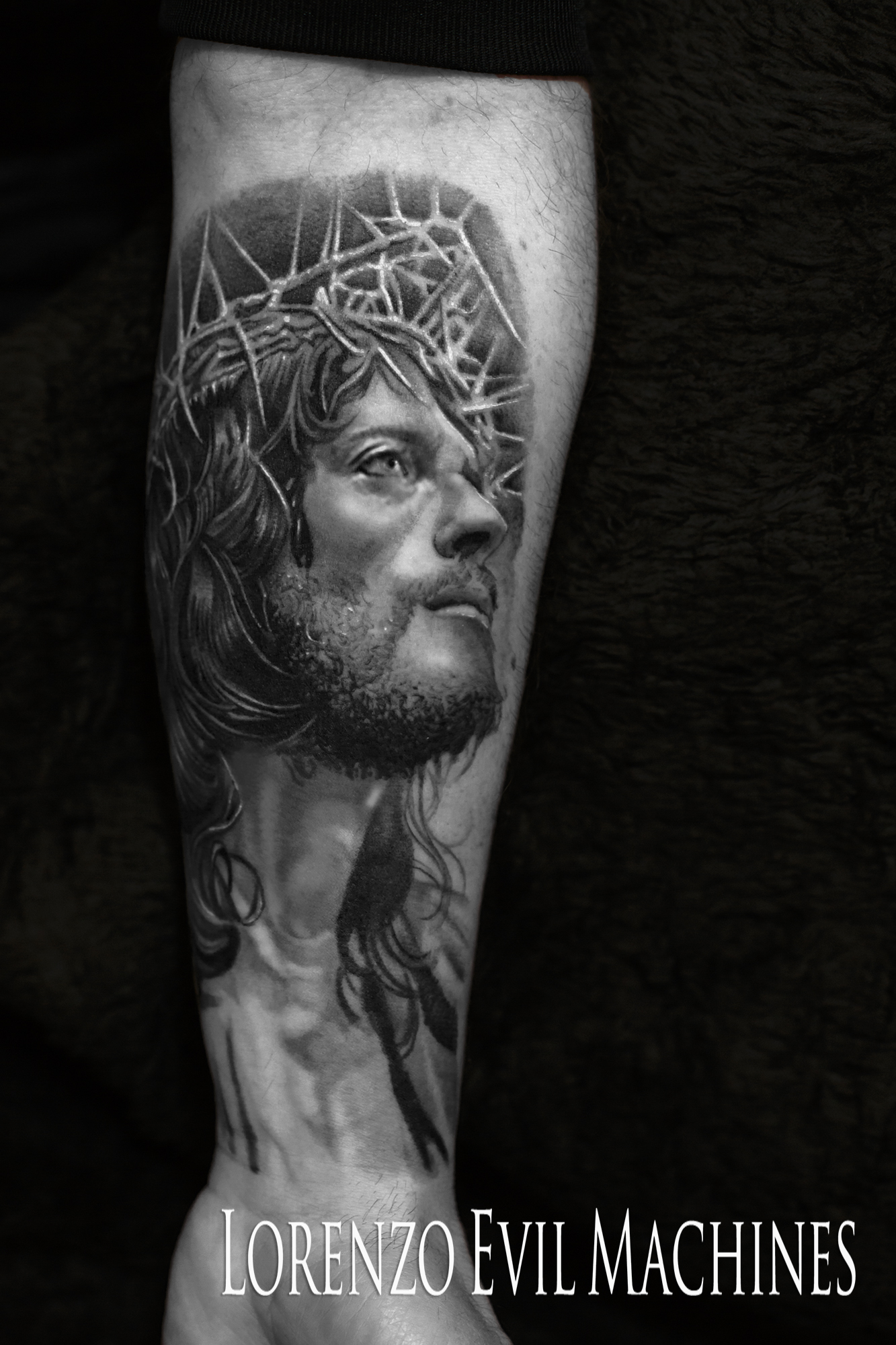 Cristo_Jesus_Christ_Crocefissione_Zeffirelli_Cross_Lorenzo_tatuatore_Evil_Machines_realistic_tattoo_tatuaggi_realistici_3d_Roma_migliore_best