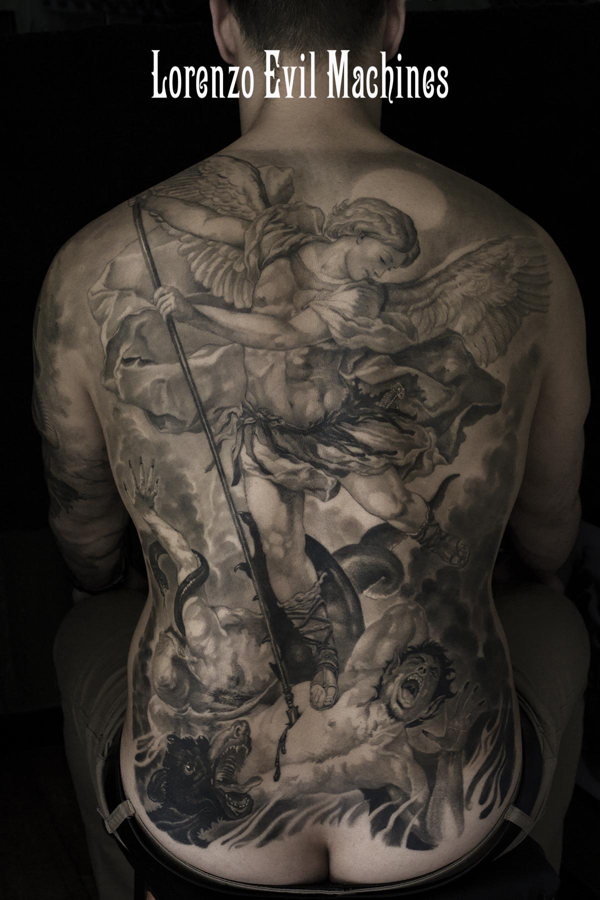 Angelo_S.Michele_diavolo_Lorenzo_tatuatore_Evil_Machines_realistic_tattoo_tatuaggi_realistici_3d_Roma_ritratti_migliore_best