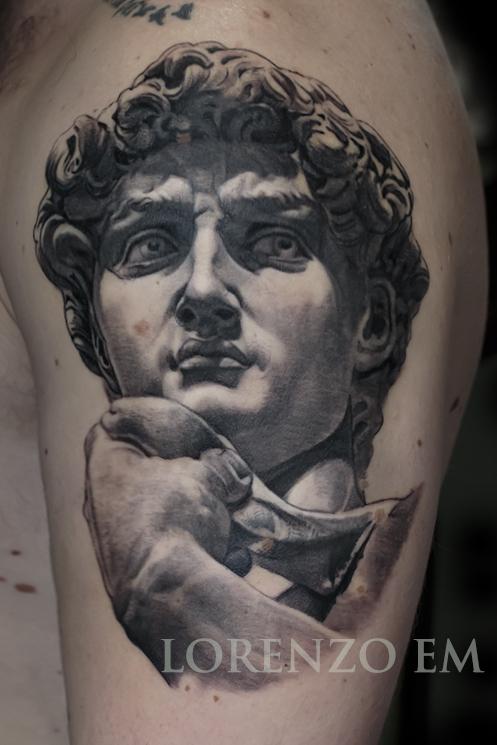David_Michelangelo_sito_statua_Lorenzo_tatuatore_Evil_Machines_realistic_tattoo_tatuaggi_realistici_3d_Roma_miglior_migliore_ritratti