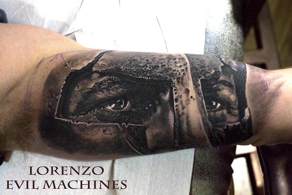 300_Spartan_black_grey_Lorenzo_Evil_machines_realistic_tattoo_tatuaggi_realistici_Roma_tatuatore_ritratti_sito_best_migliore