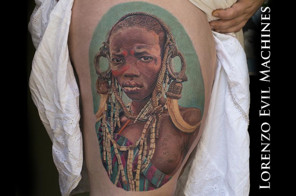 African_Woman_Lorenzo_Evil_Machines_tattoo_tatuaggi_realistici_roma_sito_best_migliore
