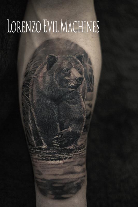 Orso_bear_wild_nature_natura_forest_mountains_montagna_foresta_Lorenzo_tatuatore_Evil_Machines_realistic_tattoo_tatuaggi_realistici_3d_Roma_ritratti_best_migliore