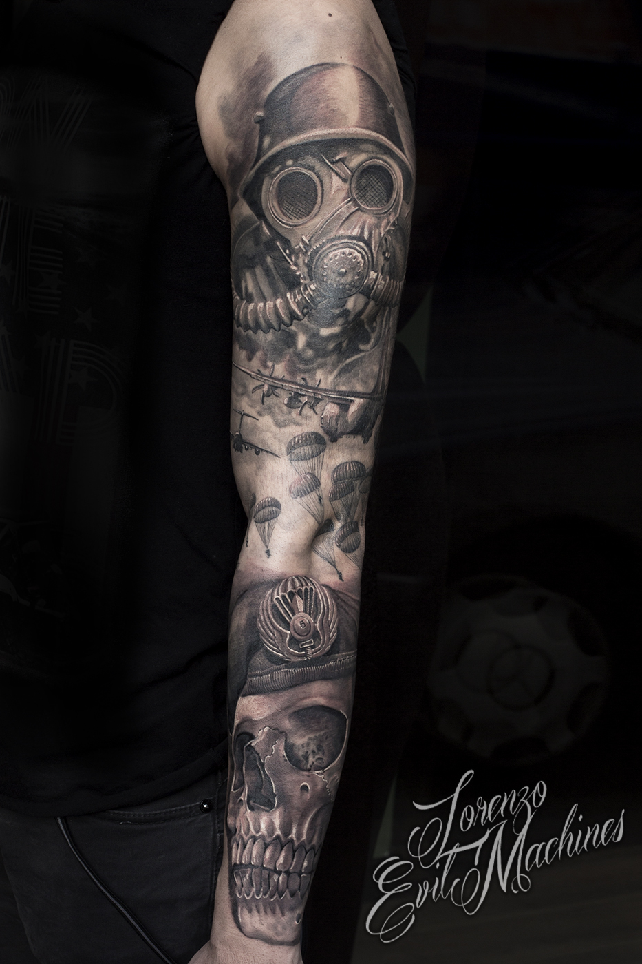 Parà_teschio_antigas_black_and_gray_Lorenzo_Evil_Machines_Tattoo_tatuaggi_realistici_Roma_sito_best_migliore