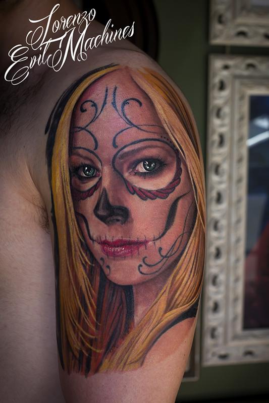 Santa_muerte_calavera_catrina_chica_donna_colori_lorenzo_evil_machines_tattoo_tatuaggio_realistico_3d_ritratto_roma_sito_best_migliore