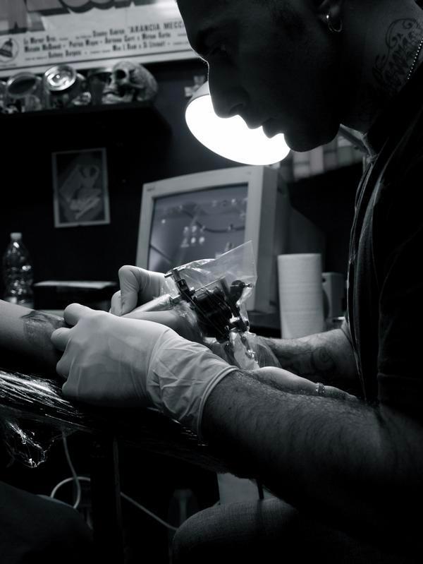lorenzo_evil_machines_tatuatore_roma