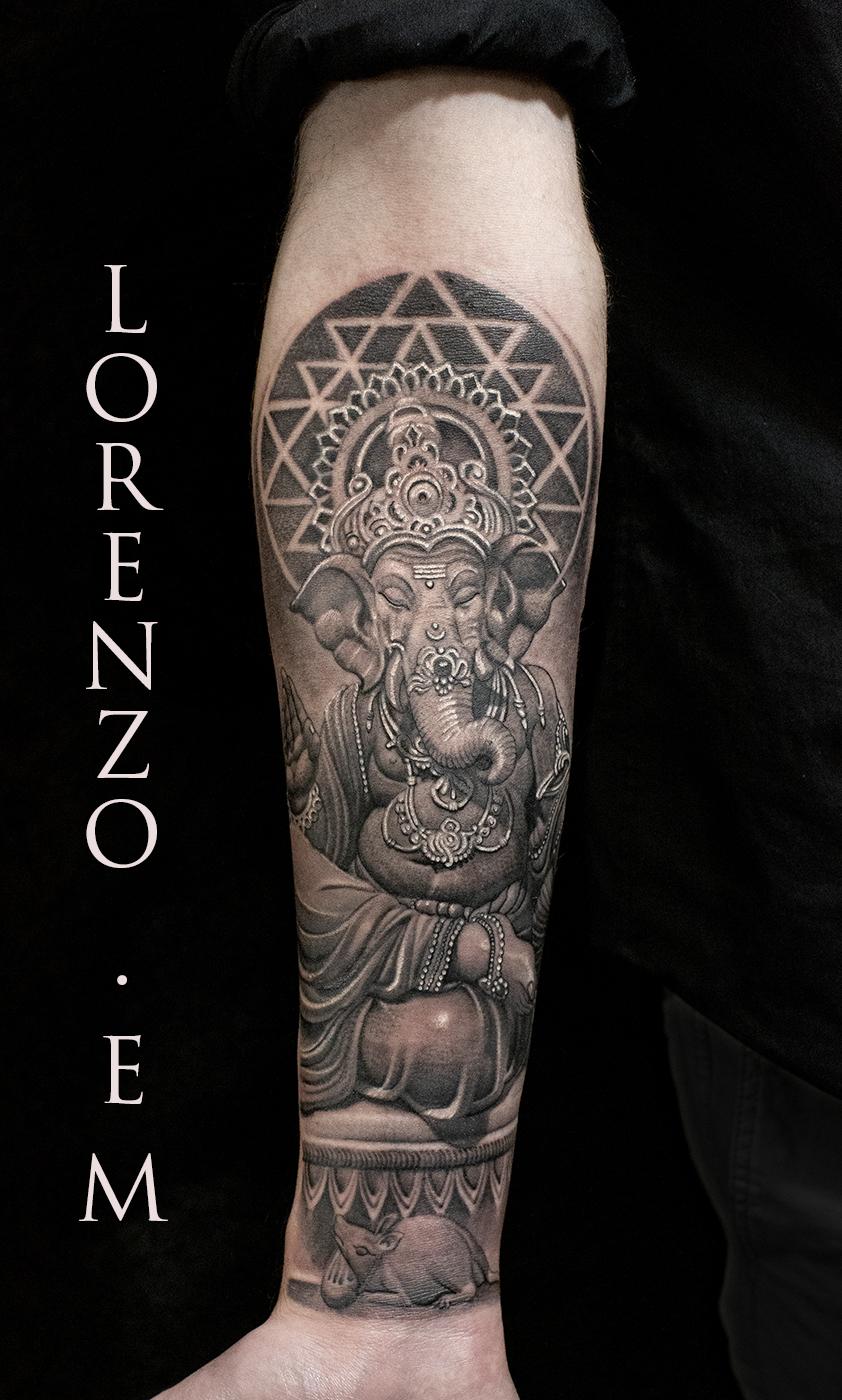 Ganesha_mandala_agni_holy_sacred_black_grey_Lorenzo_Evil_machines_realistic_tattoo_tatuaggi_realistici_Roma_miglior_tatuatore_ritratti_sito