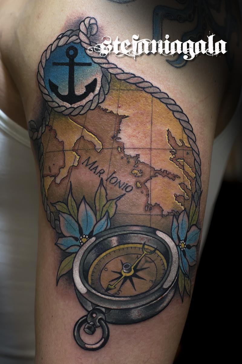 Bussola_Compass_map_mare_sea_ancora_disegni_personalizzati_neo_new_traditional_Stefania_Gala_Evil_Machines_Tattoo_tatuaggi_Roma_migliore_tatuatore_studio