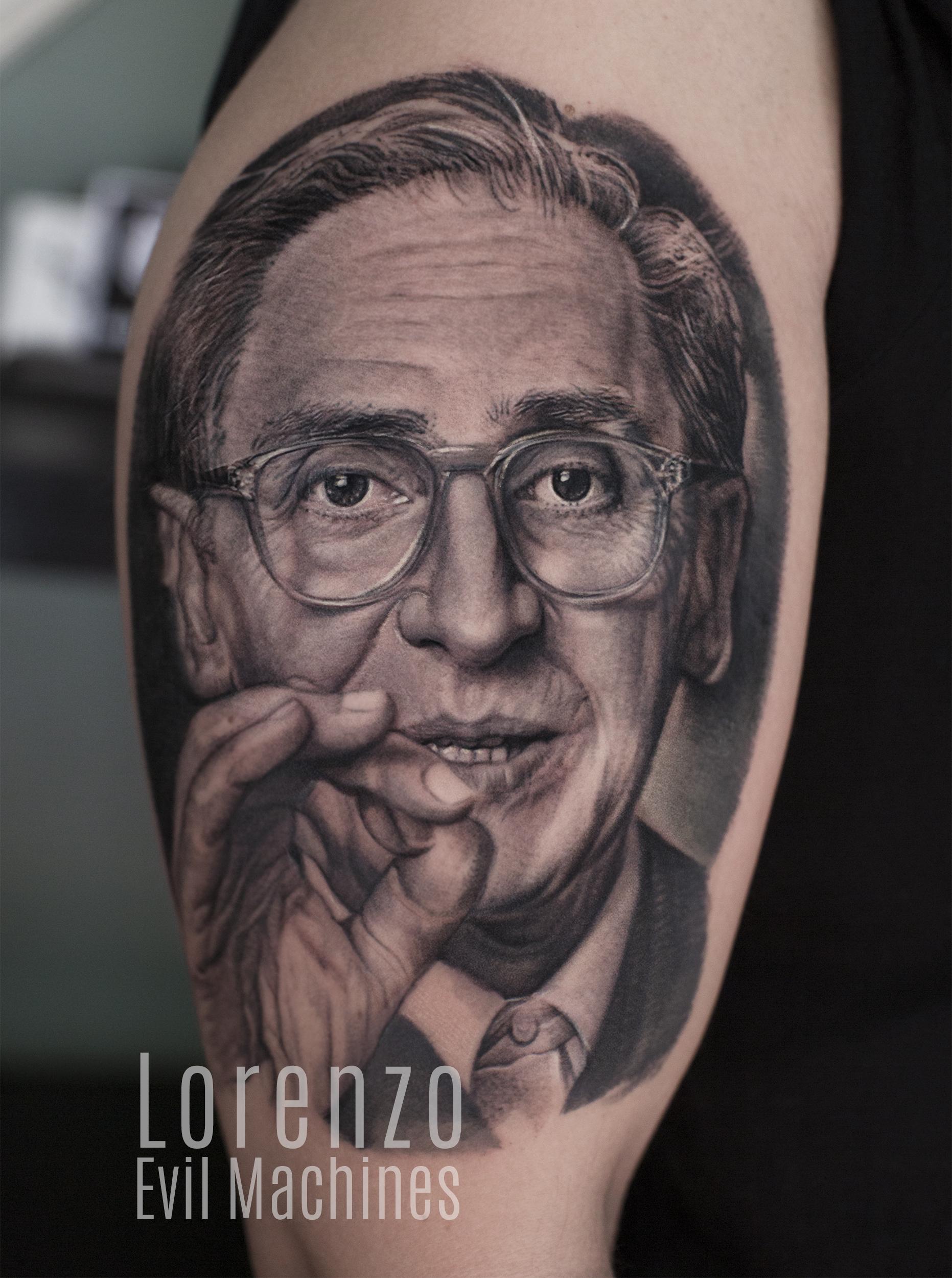 Battiato_Franco_ritratto_addio_la_cura_Lorenzo_tatuatore_Evil_Machines_realistic_tattoo_tatuaggi_realistici_3d_Roma_miglior_migliore_portrait_musica_firma